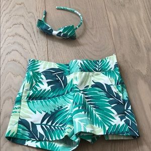 Janie and Jack Bottoms - Brand new without tags shorts and matching bow